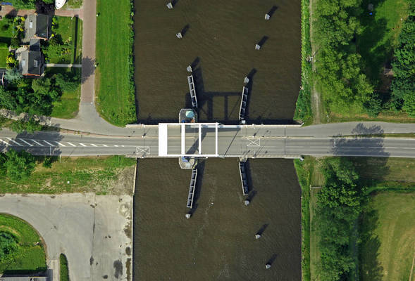 Wold Bridge