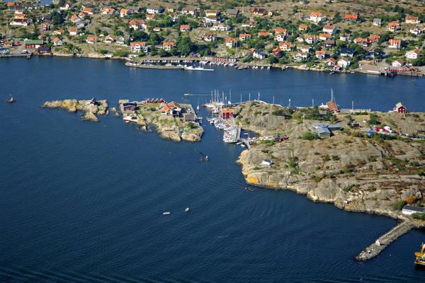 Bjorko Framnnas Yacht Harbour