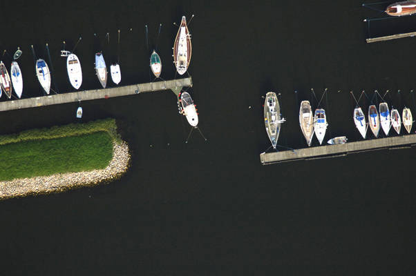 Stige Lystbdehavn Inlet