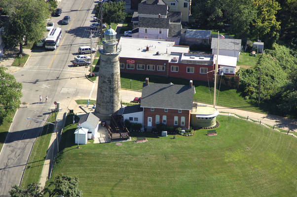 Fairport Harbor Light (Grand River Light, Old Fairport Main Light)