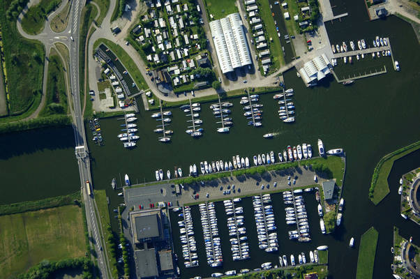 Tacozijl Yacht Harbour