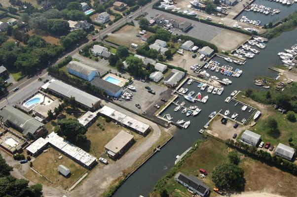 Baywatch Motel & Marina