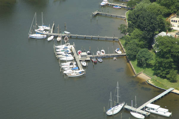 Chesnut Cove Marina