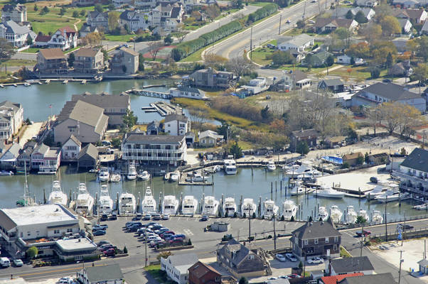 Yacht Lodge Marina