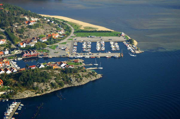 Høllen Brygge Marina