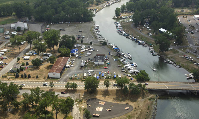 Glen Harbor Marina