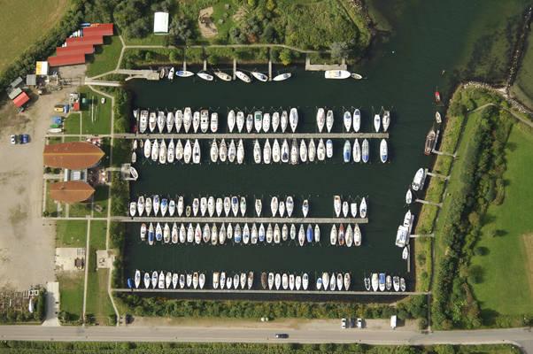 Schausende Yacht Harbou