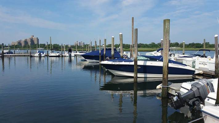 Lawrence Yacht & Country Club Marina