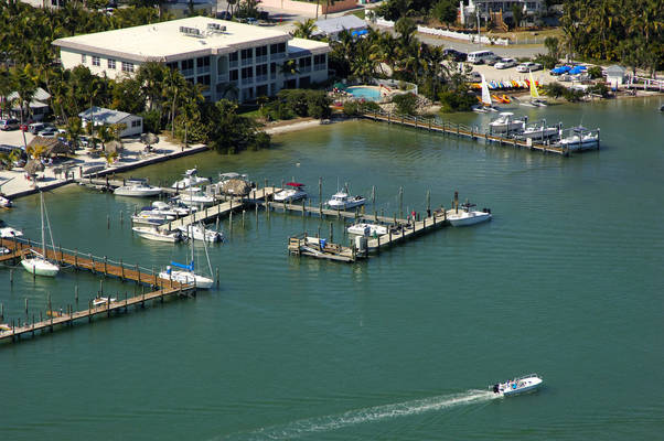 Jensen's Twin Palms Resort & Marina