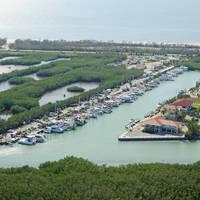 Coco Plum Beach Yacht Club