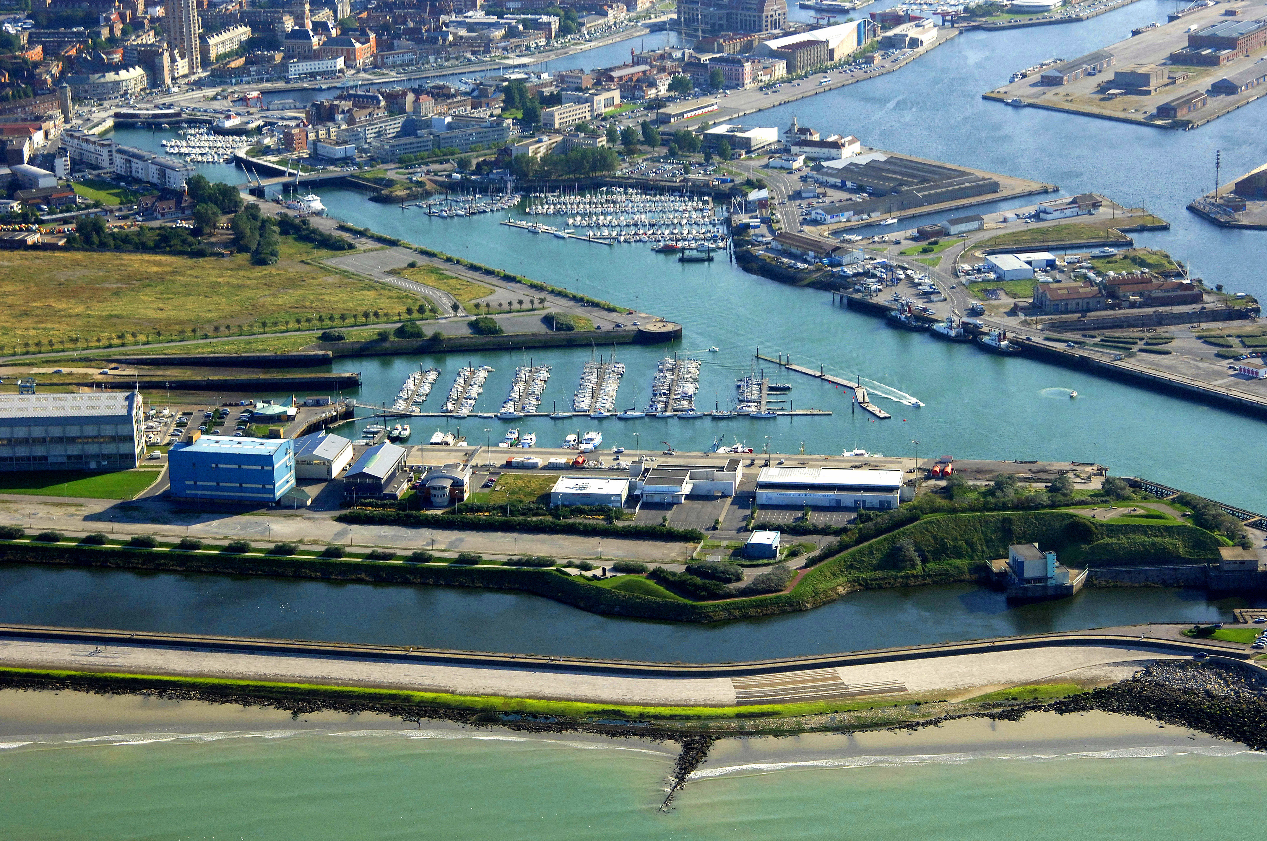 Le port du grand large in dunkerque france marina reviews phone number - Dunkirk port france address ...