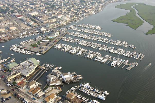 Schooner Island Marina