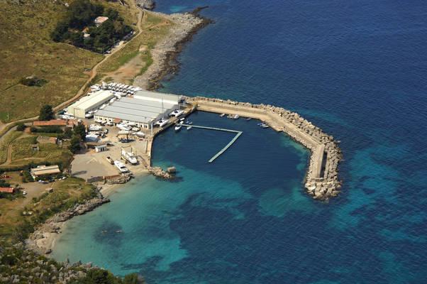 Fossa Del Gallo Marina