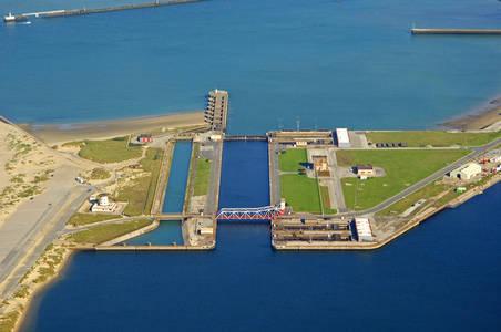 Evitage Basin East Lock