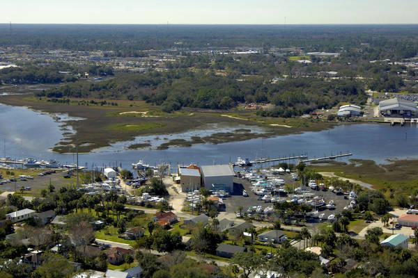 Oasis Boatyard & Marina
