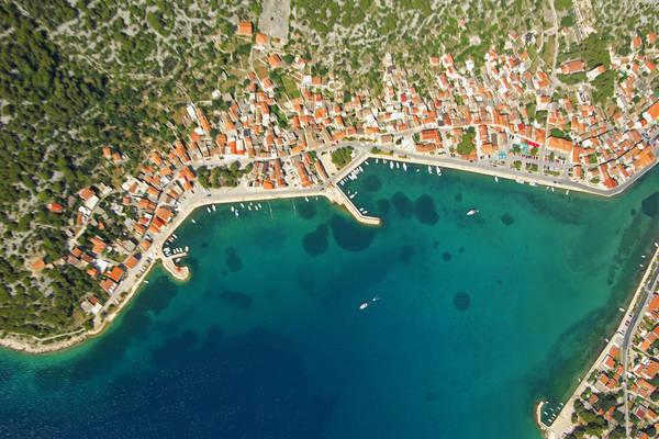 Tijesno Harbour