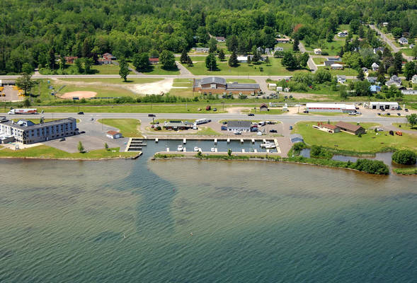 Baraga Lakeside Inn