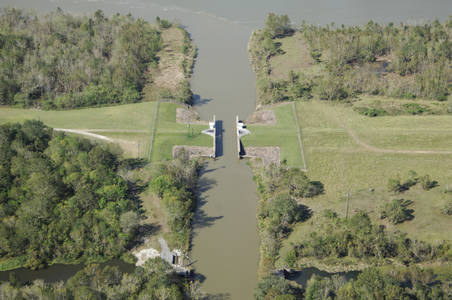 Lower Atchafalaya River Lock1