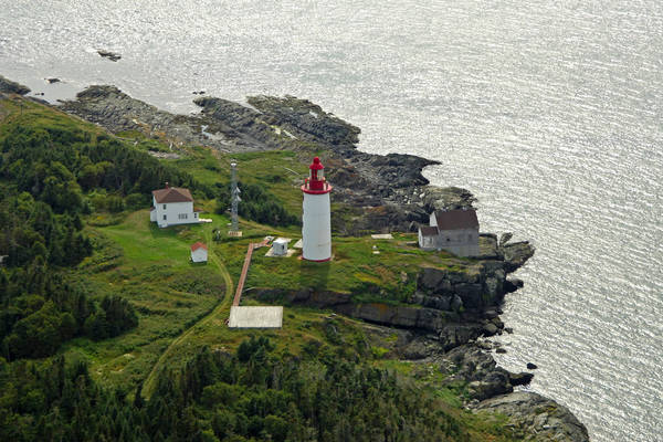 Ile Bicquette Lighthouse