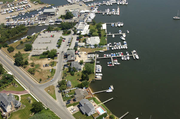 Nicolls Point Marina