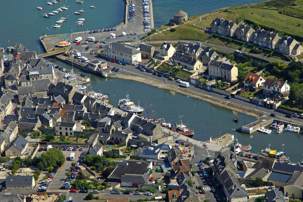 Port En Bessin Center Marina