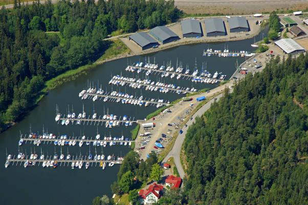 Soedertaelje Smaabaatshamn Marina