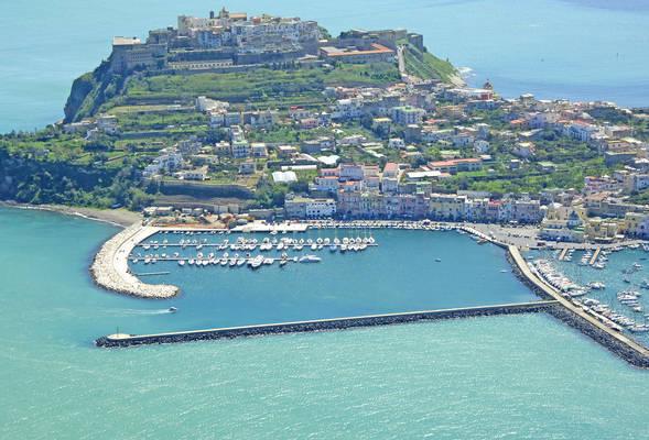 Porto Turistico Di Procida Marina
