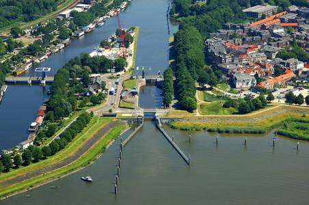 Grote Merwede Lock