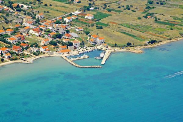 Dobropoljana Harbour