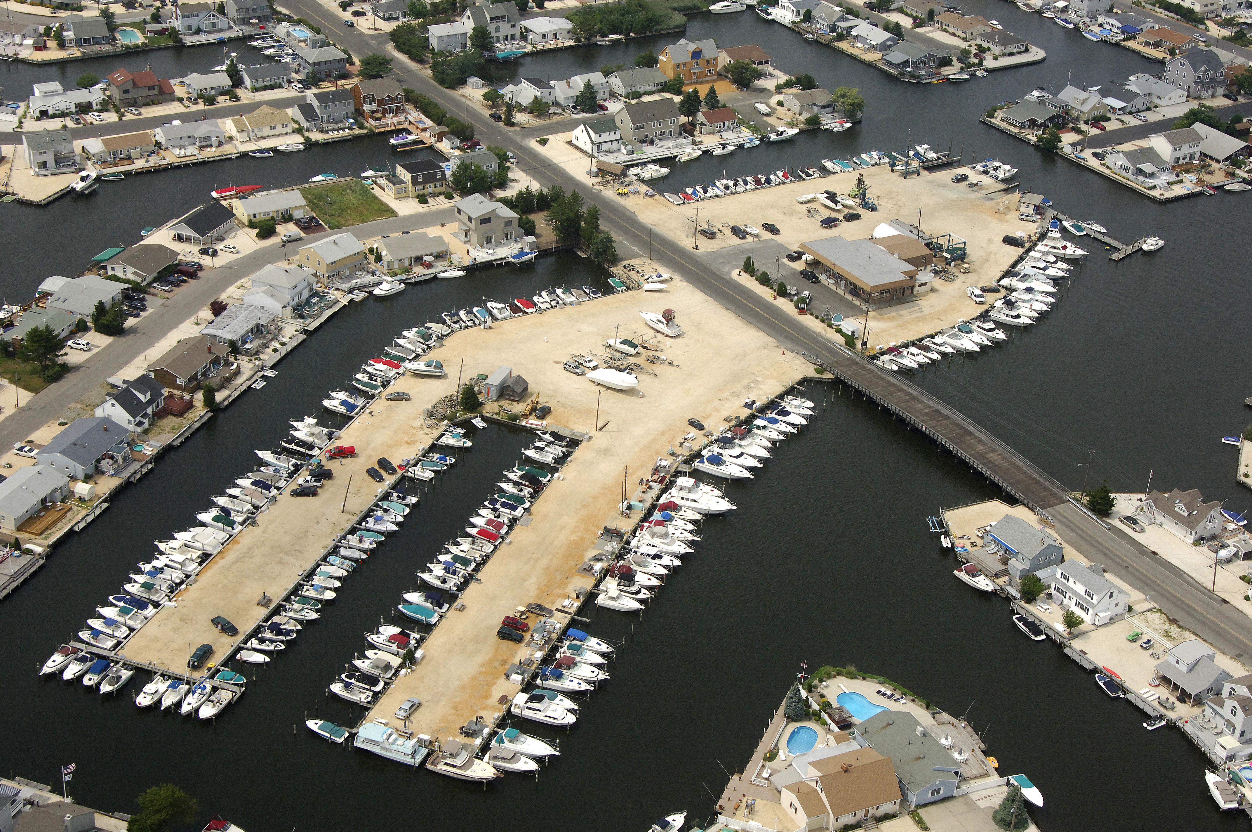 Chadwick Island Marina