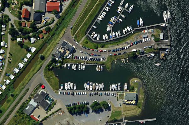 Oude Landbouwhaven Yacht Harbour