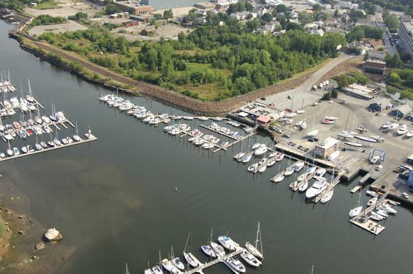 The Ponus Yacht Club