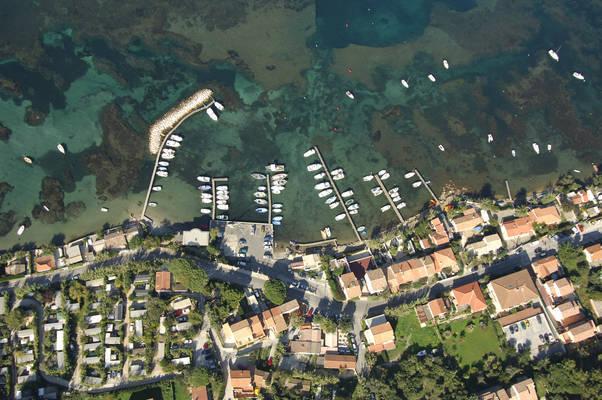 Plage De L'Hermitage Place Marina