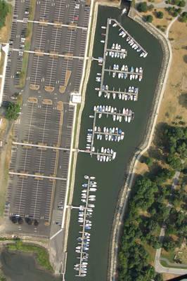 Cove Island Park Marina