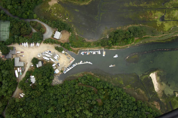 Aucoot Cove Boat Yard