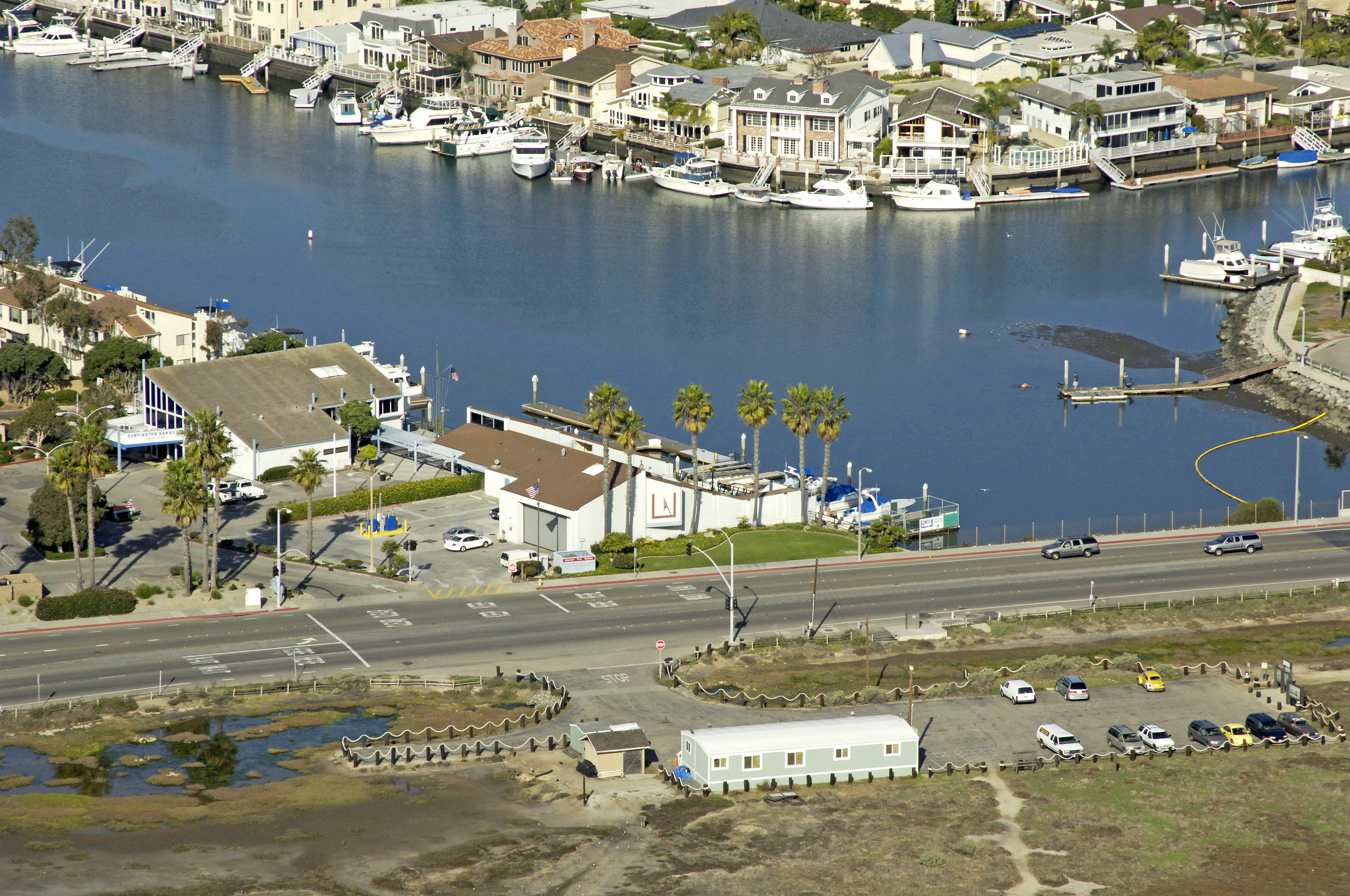 Huntington Harbour Yacht Club