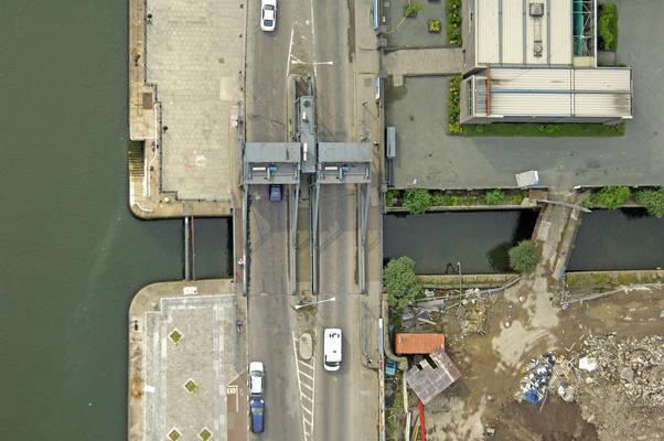 Wall Quay Lift Bridge