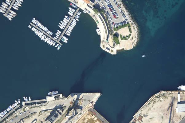 Port Abri Inlet