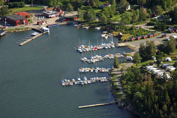 Grisslehamn West Harbor Marina