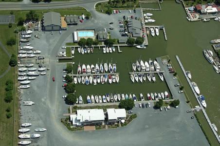 Knapp's Narrows Marina