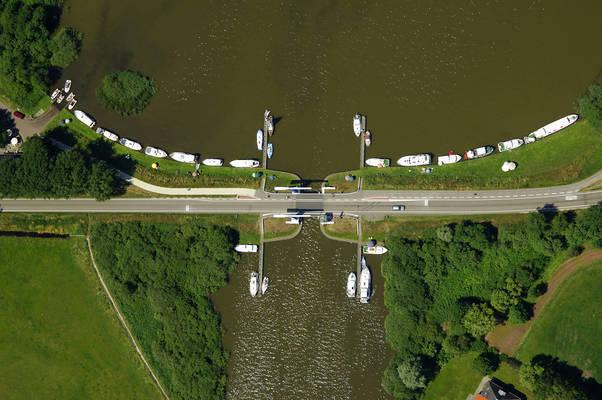 Heerenzijl Bridge