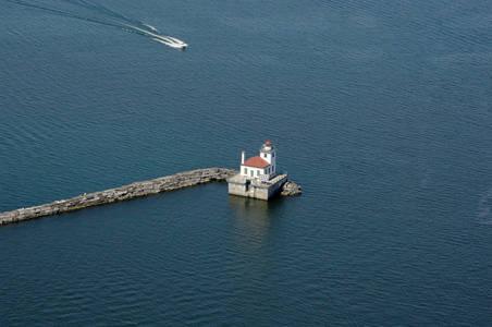 Oswego West Pierhead Light (Oswego Outer Harbor Light)