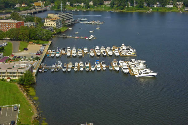Molly Pitcher Inn Oyster Point Marina
