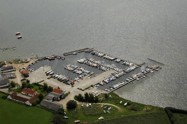 Fjællebroen Havn