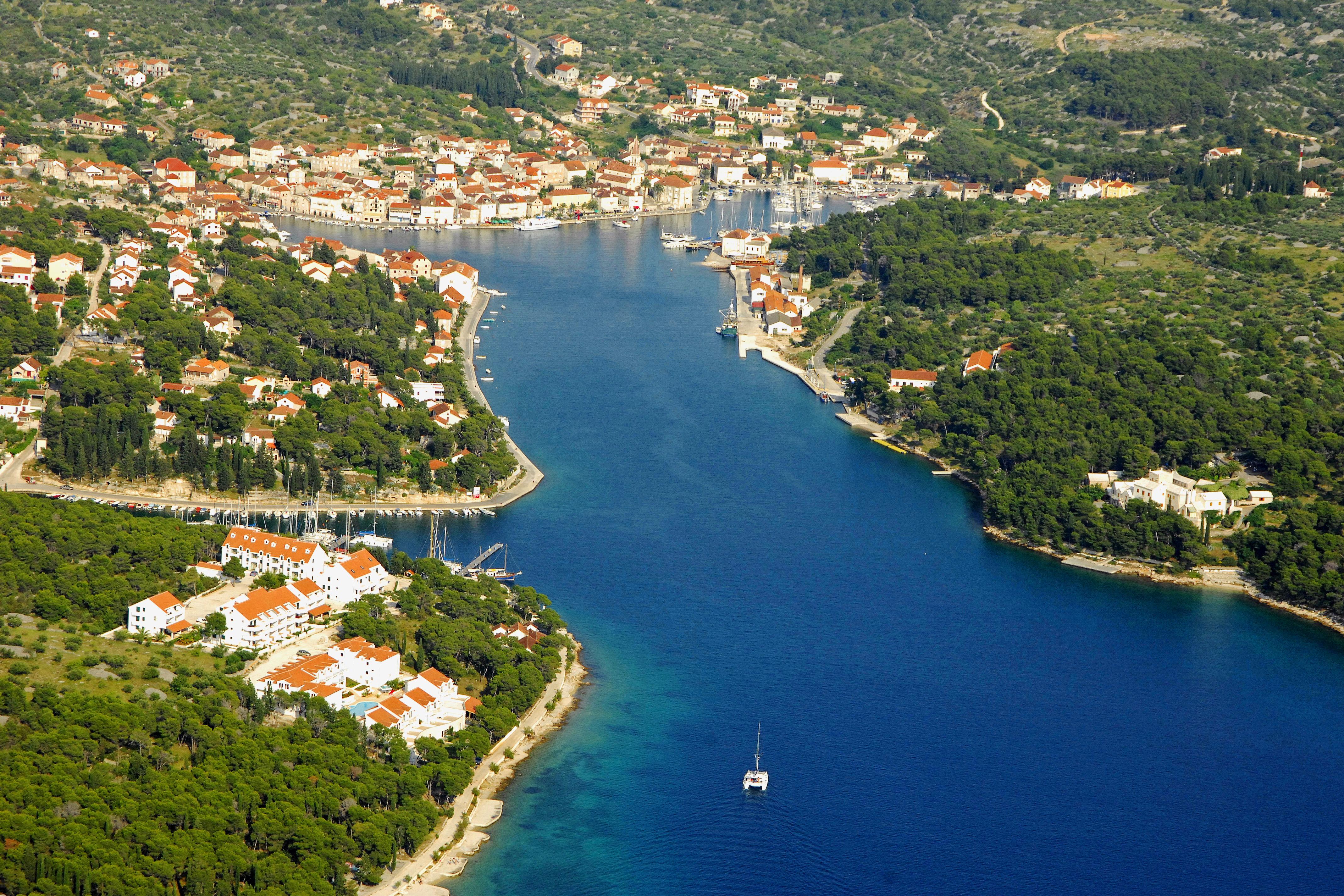 Milna - wunderschöner Ferienort auf der Insel Brač