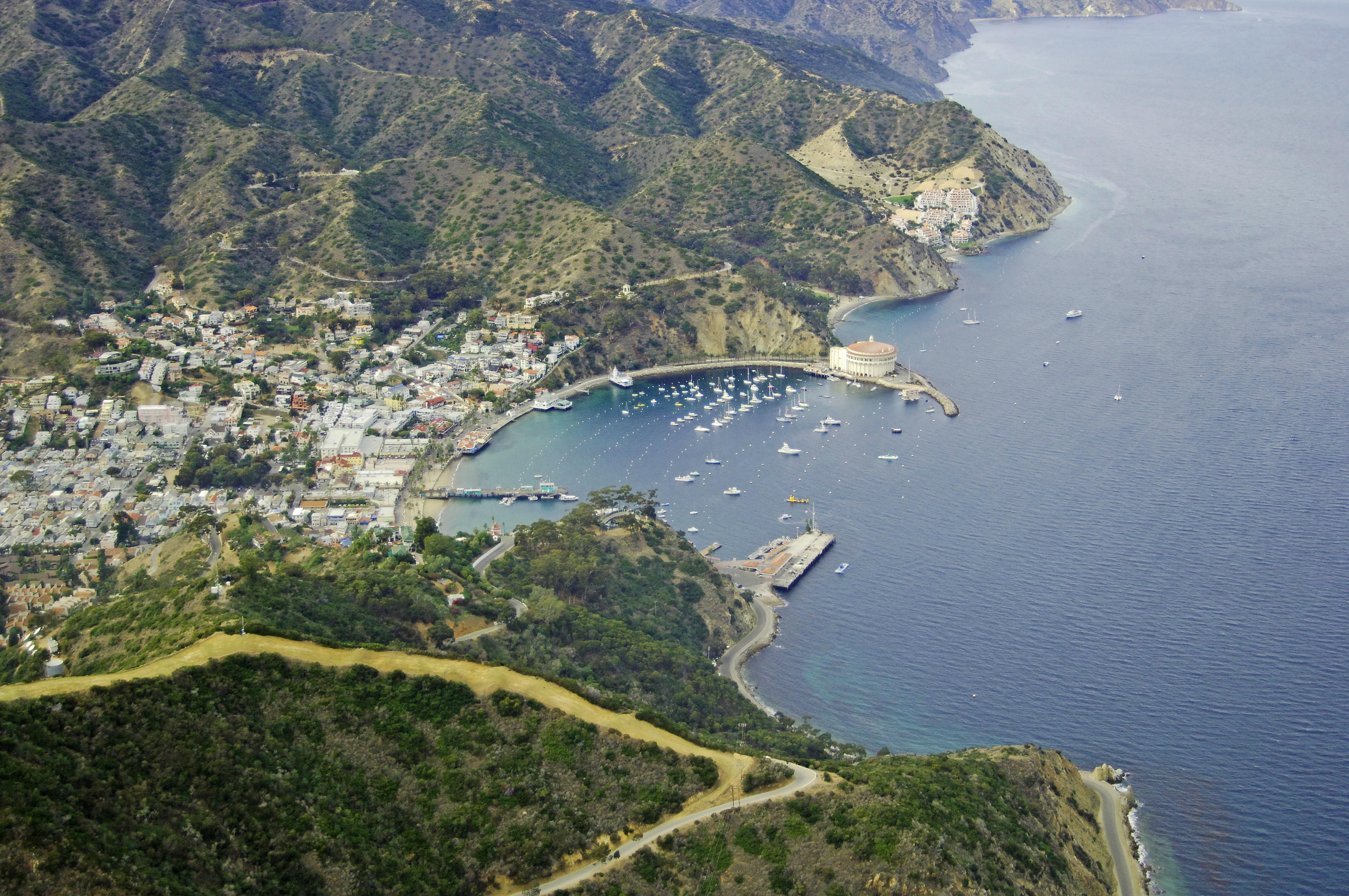 Avalon bay catalina island in ca united states harbor for Catalina bay