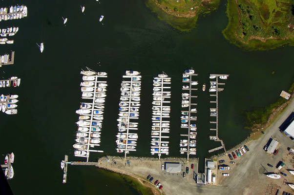 Harbor Light Marina