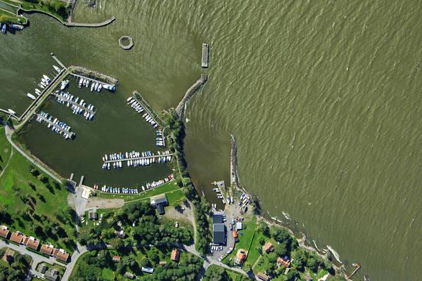 Sjotorp Lotsvagen Marina