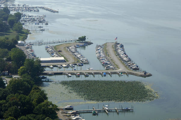 Channel Grove Marina Inc
