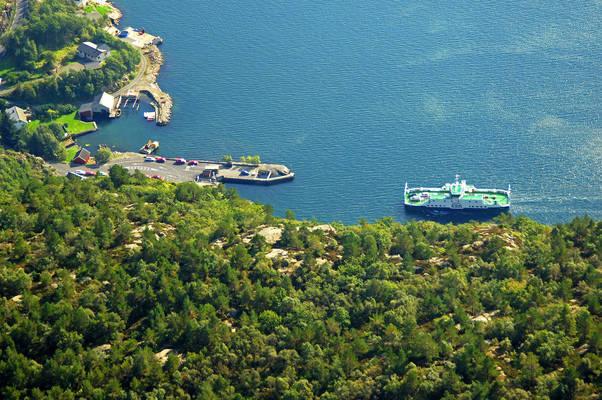 Kvellandstrand-Lauvnes Ferry
